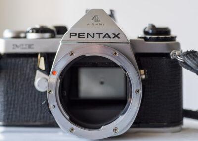 Pentax Me K bayonet mount.