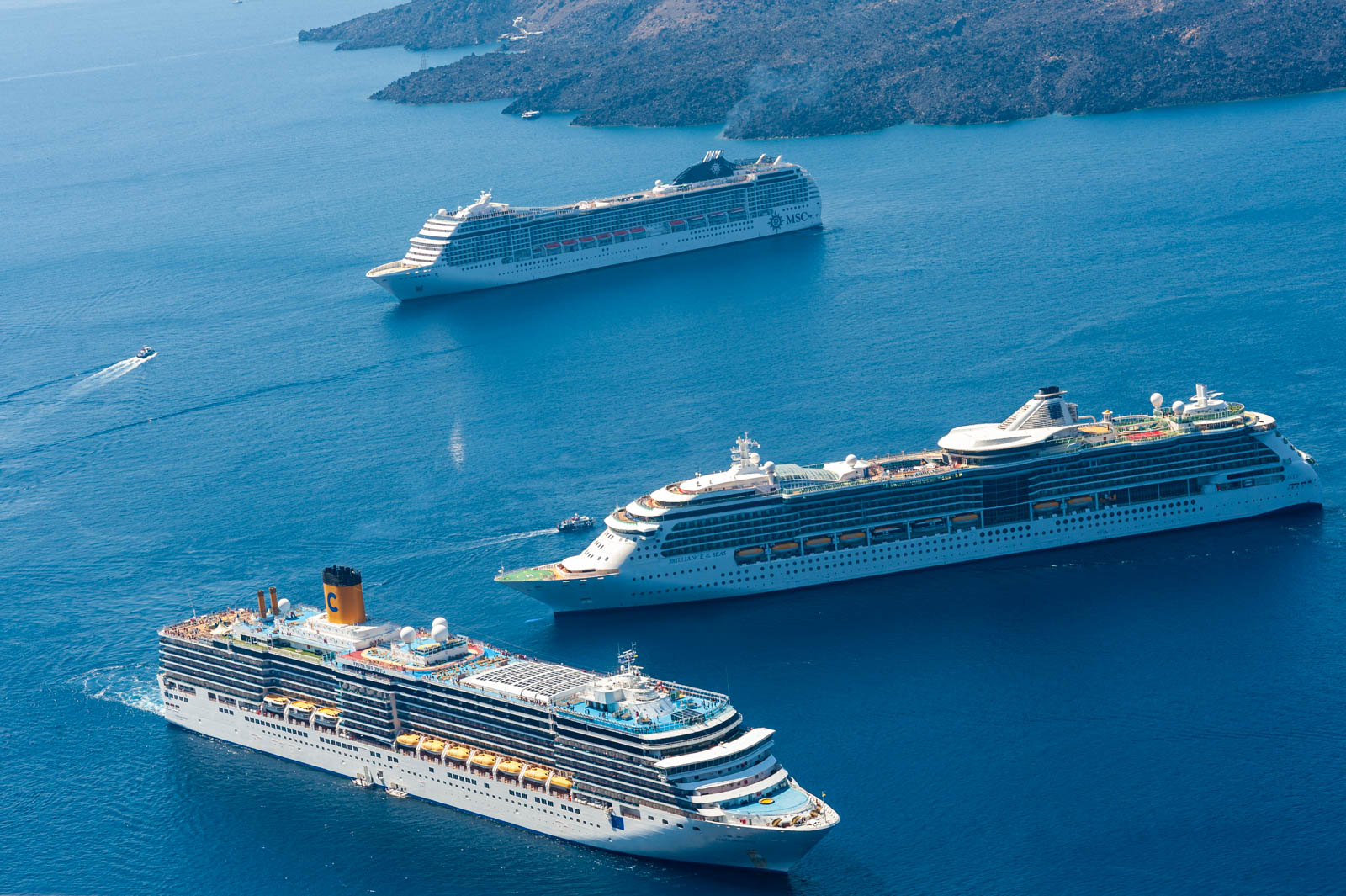 Cruise ships below the Caldera
