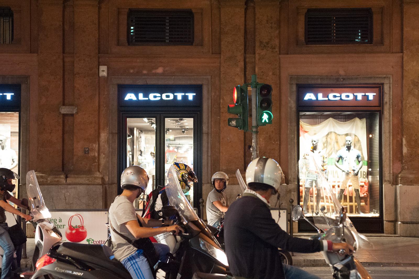 Palermo 2014, Nikon D700 50mm @ f1.3,2 1/160, ISO6400